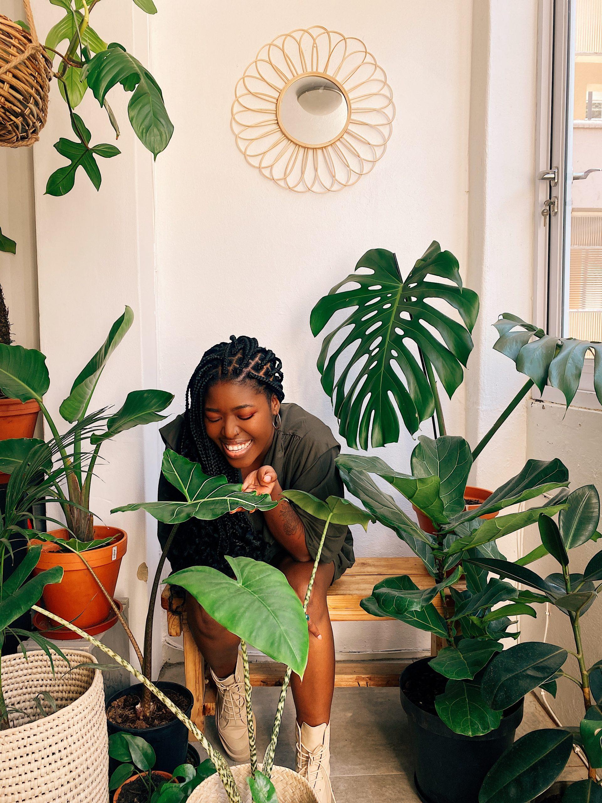 Nkhensani Rikhotso - Indoor plant consultant showing plant worshops
